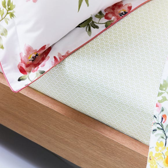 Joules Kelmarsh Floral 100% Cotton Fitted Sheet  undefined