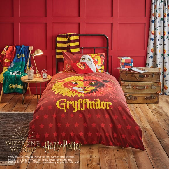 Harry Potter Gryffindor House Reversible Duvet Cover and Pillowcase Set  undefined