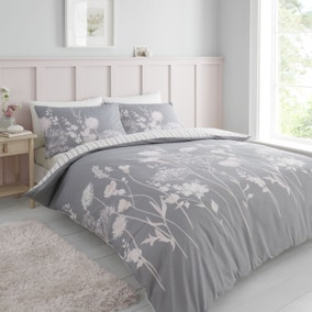 Catherine Lansfield Meadowsweet Floral Pink Duvet Cover and Pillowcase Set