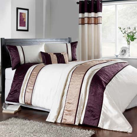 Manhattan Plum Duvet Cover