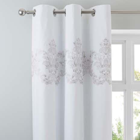 Exceptional Nina Silver Thermal Eyelet Curtains
