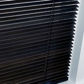 25mm Black Hardwood Blind