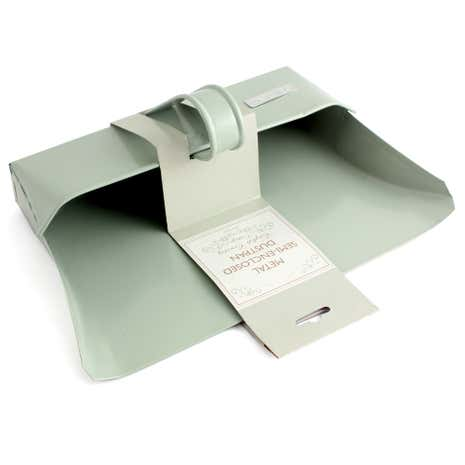 English Heritage Semi Enclosed Metal Dustpan