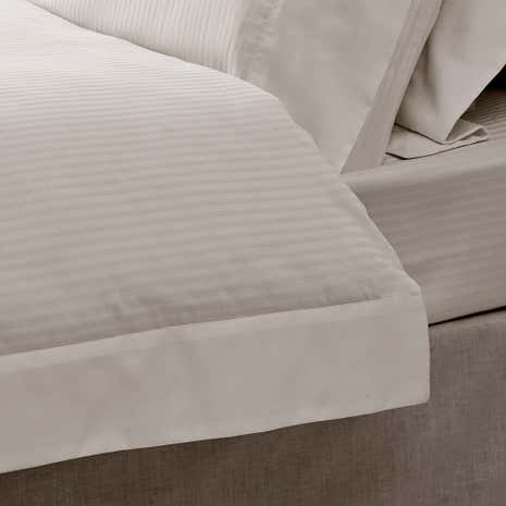 Hotel Morgan Stripe White Flat Sheet