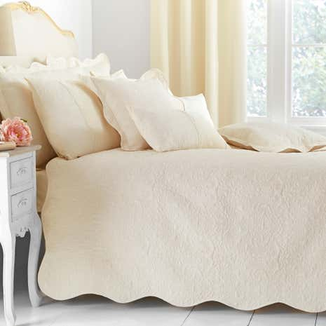 Ebony Cream Bedspread