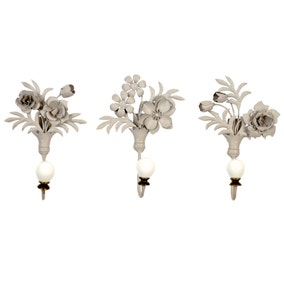 Chateau Set of 3 Metal Flower Hooks