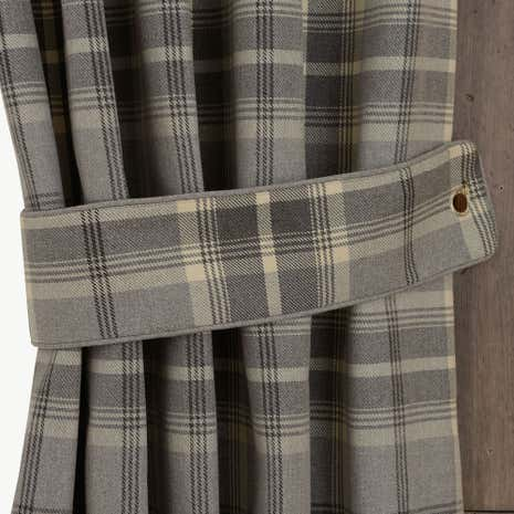 Highland Dove Grey Check Tiebacks