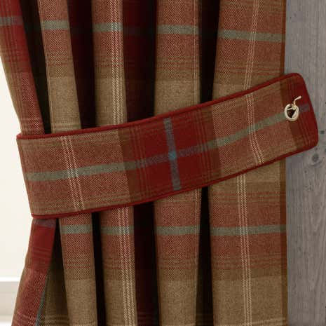 Highland Wine Check Tiebacks