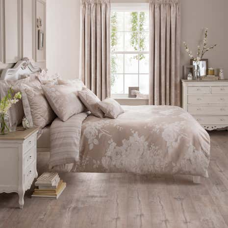Laura Natural Jacquard Duvet Cover