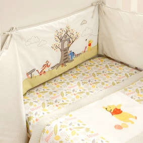 Disney Winnie the Pooh Nursery Coverlet and Bumper