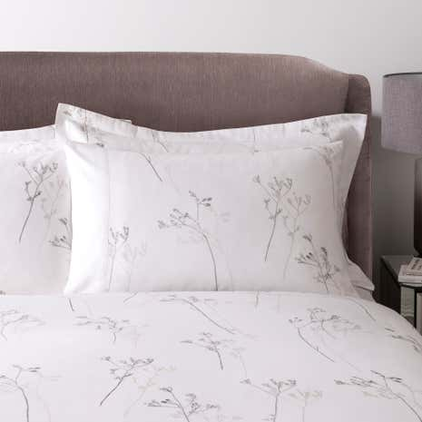 Hotel Parsley White 300 Thread Count Cuffed Pillowcase