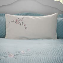 Misaki Cream Housewife Pillowcase