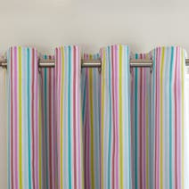 Kids Scattered Hearts Blackout Eyelet Curtains