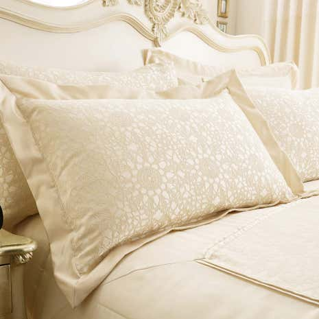 Crochet Jacquard Cream Oxford Pillowcase