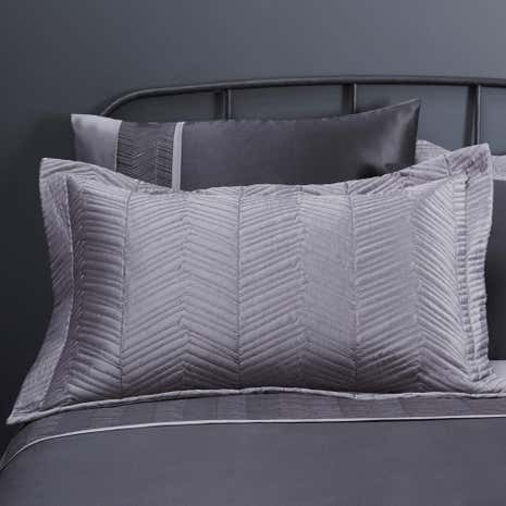Owen Black Pillowsham