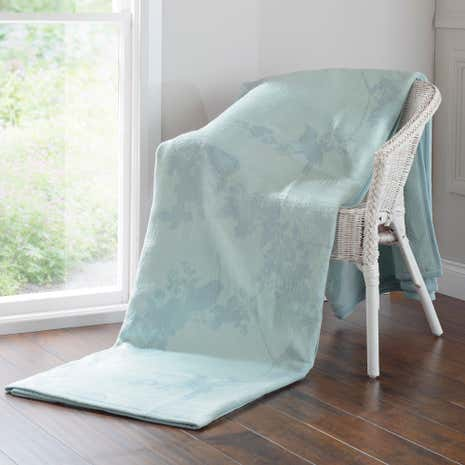Thermosoft Beautiful Birds Duck Egg Blanket