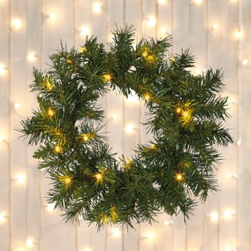 Pre-lit Luxury Green Wreath