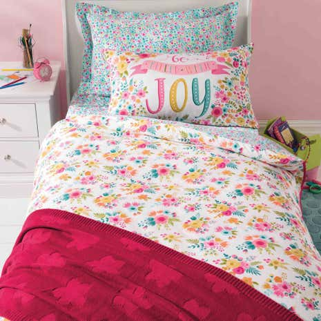 Friends and Flowers Duvet Cover and Pillowcase Set