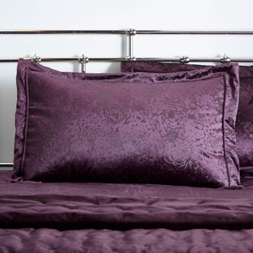 Serena Plum Oxford Pillowcase