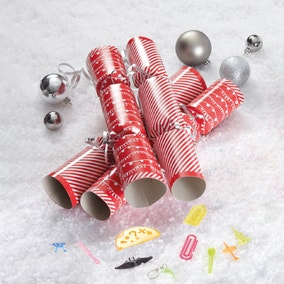 Pack of 12 Family Christmas Crackers