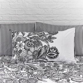 Elements Zia Black & White Oxford Pillowcase