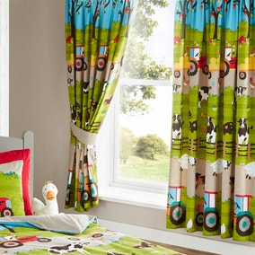 Farmyard Pencil Pleat Curtains