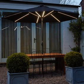 2.7m Solar Light Parasol Black