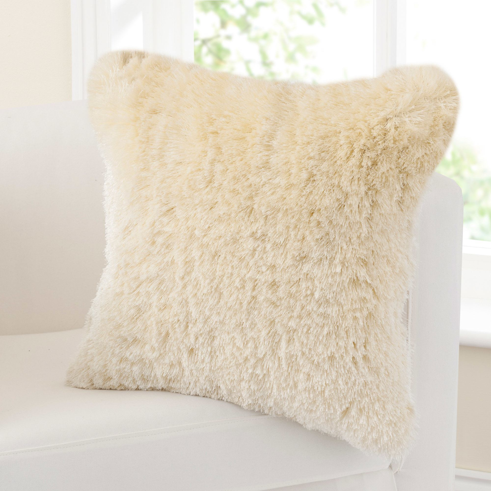 Photo of Fine furry cushion natural -cream-