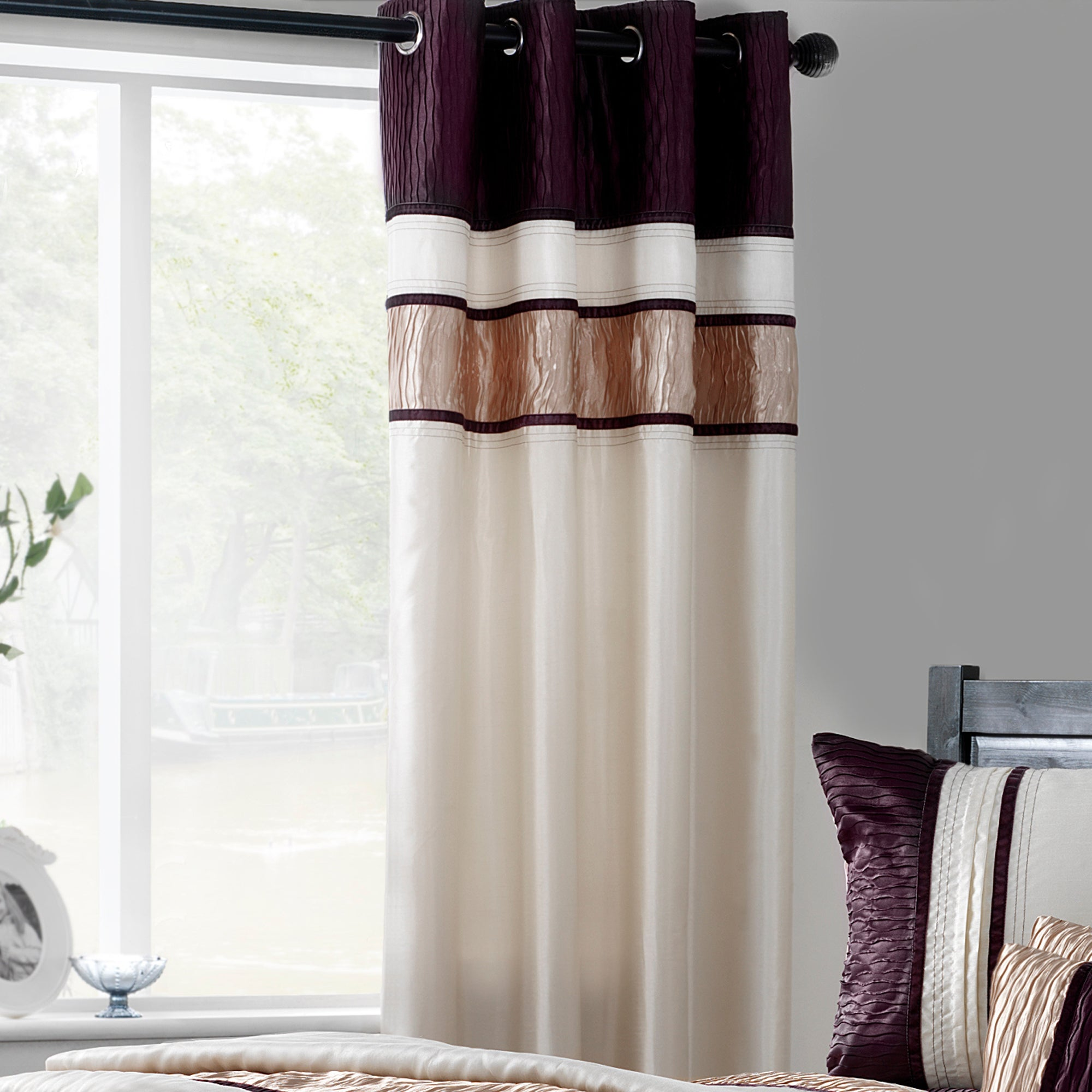 Photo of Manhattan plum lined eyelet curtains cream / purple