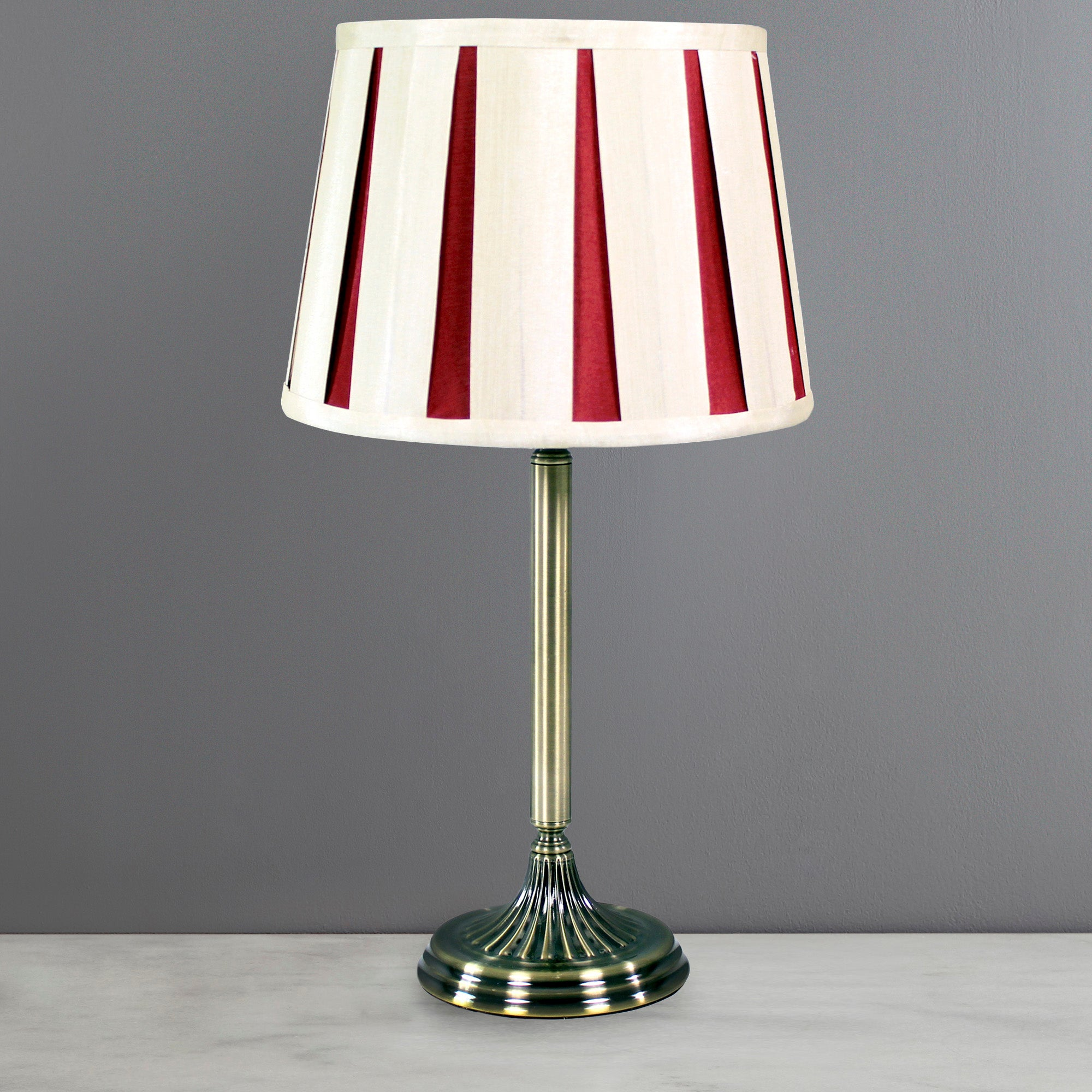 Photo of Chelsea pleat table lamp red / white