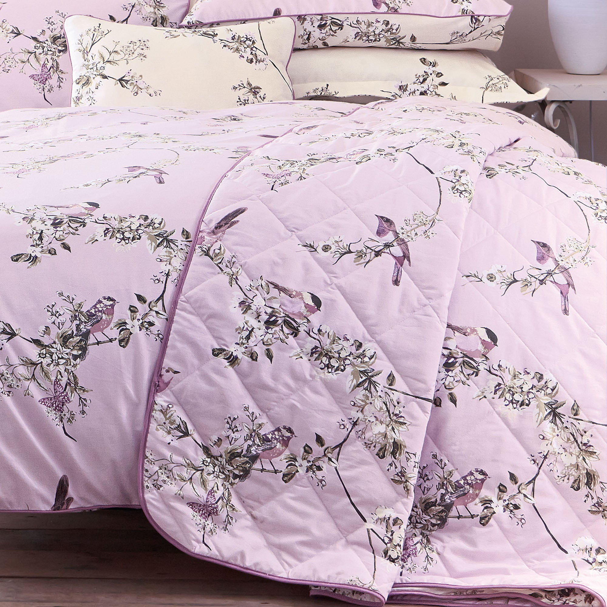 Image of Beautiful Birds Heather Bedspread Light Pink / Baby Pink