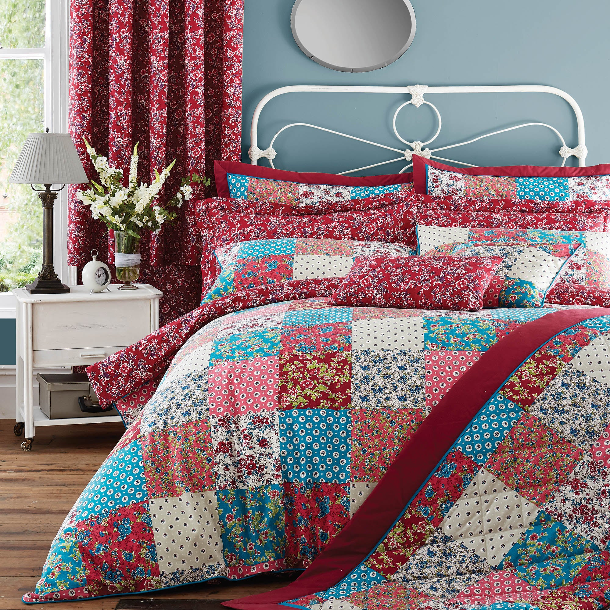Image of Ava Patchwork Red Bedspread Blue / Red