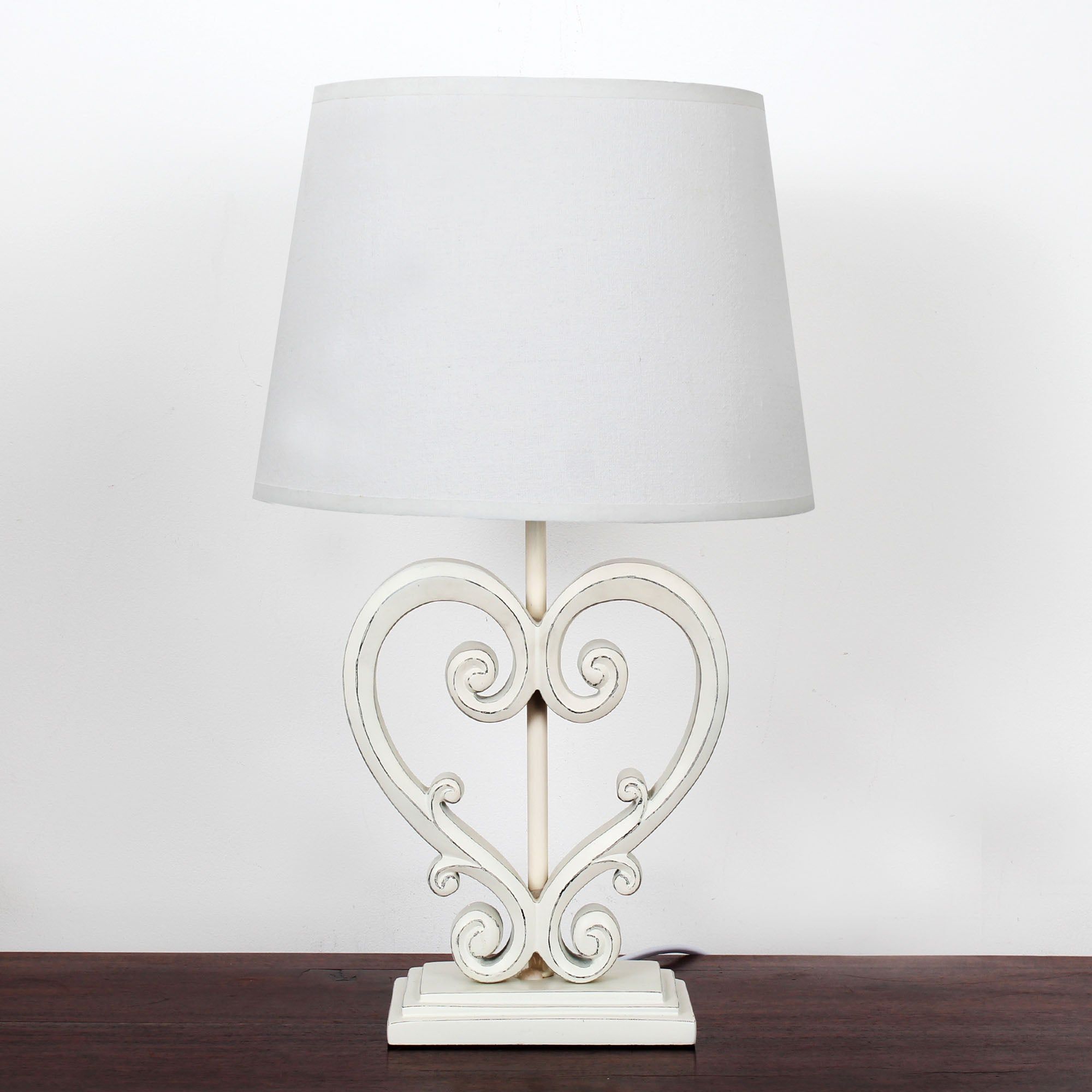 Wicker Heart Table Lamp Cream