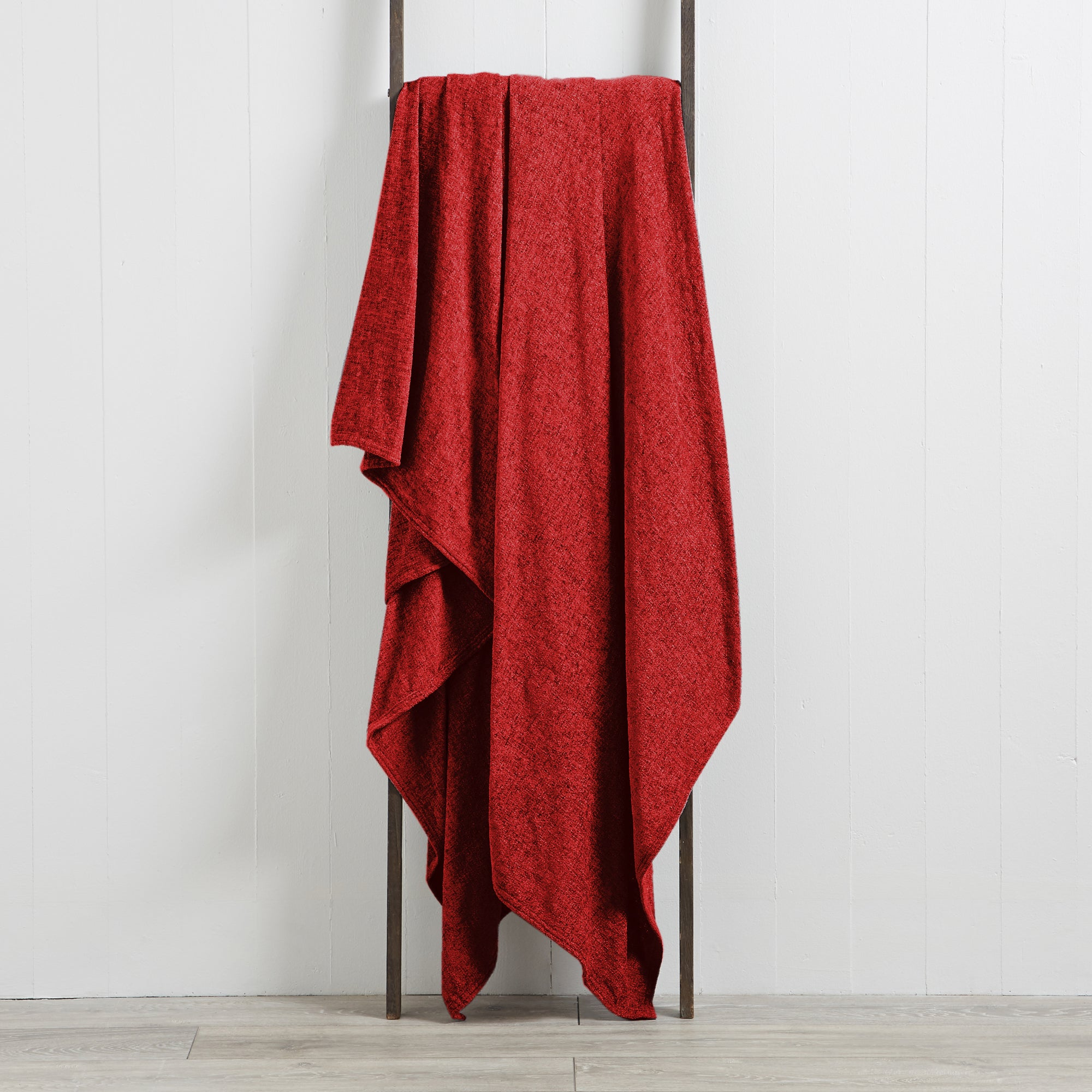 Photo of Chenille plain throw red