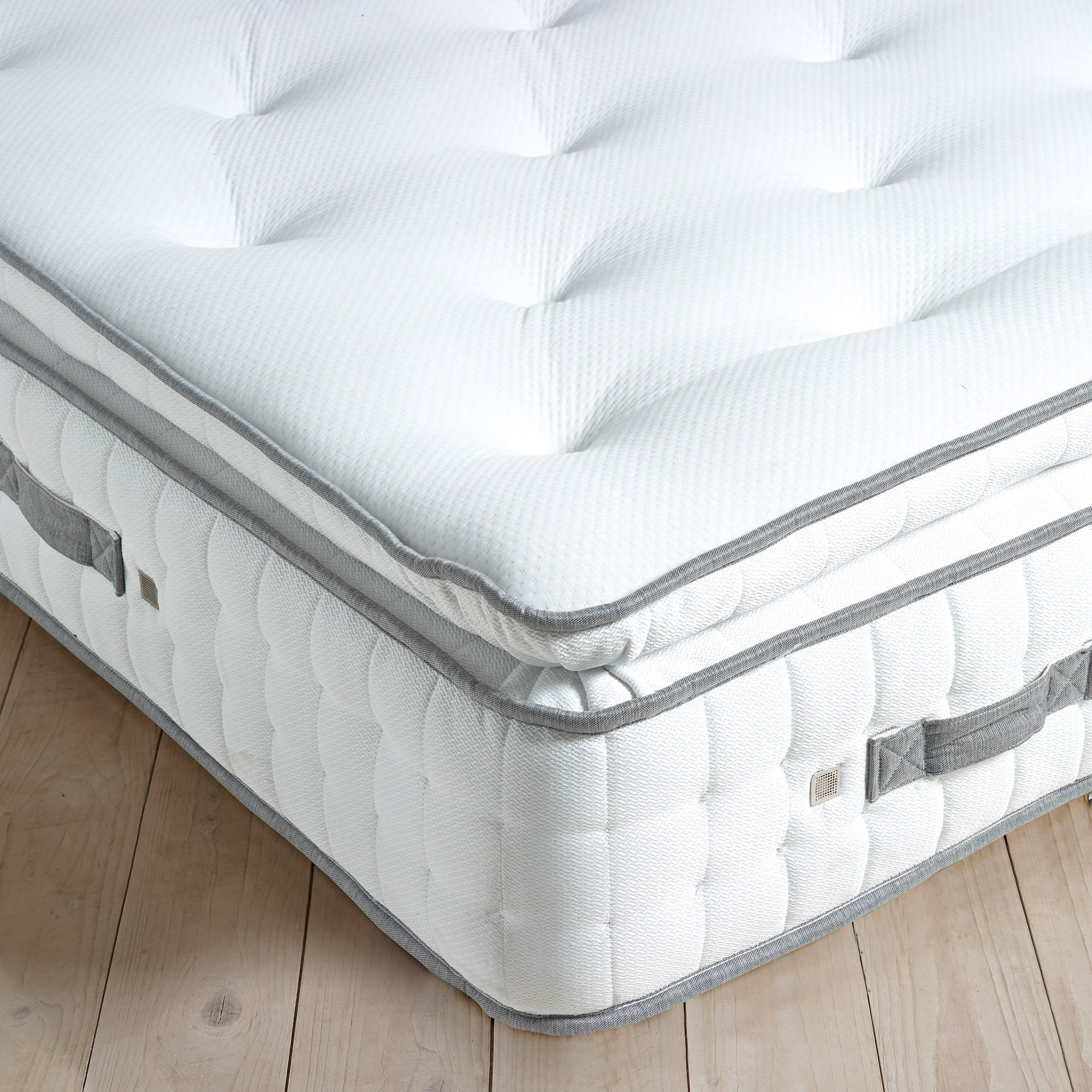 Image of Hotel 2000 Memory Foam Pillow Top Mattress White