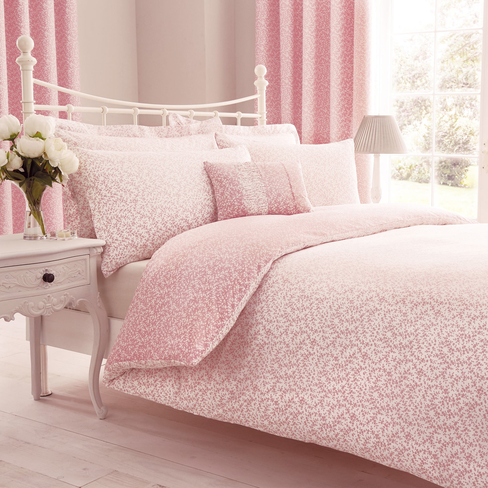 Image of Annie Pink Duvet Cover and Pillowcase Set Pink