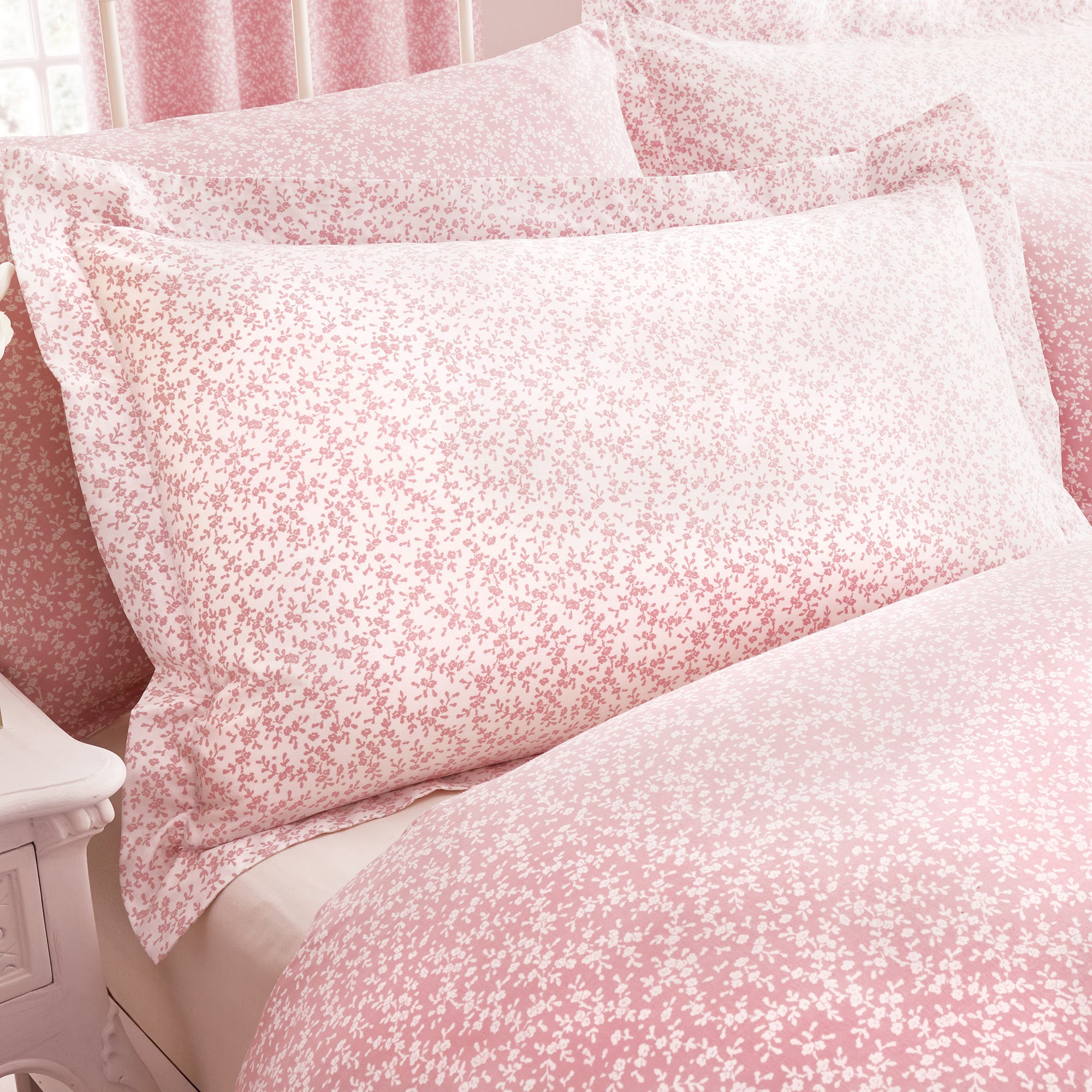 Image of Annie Pink Oxford Pillowcase Pink
