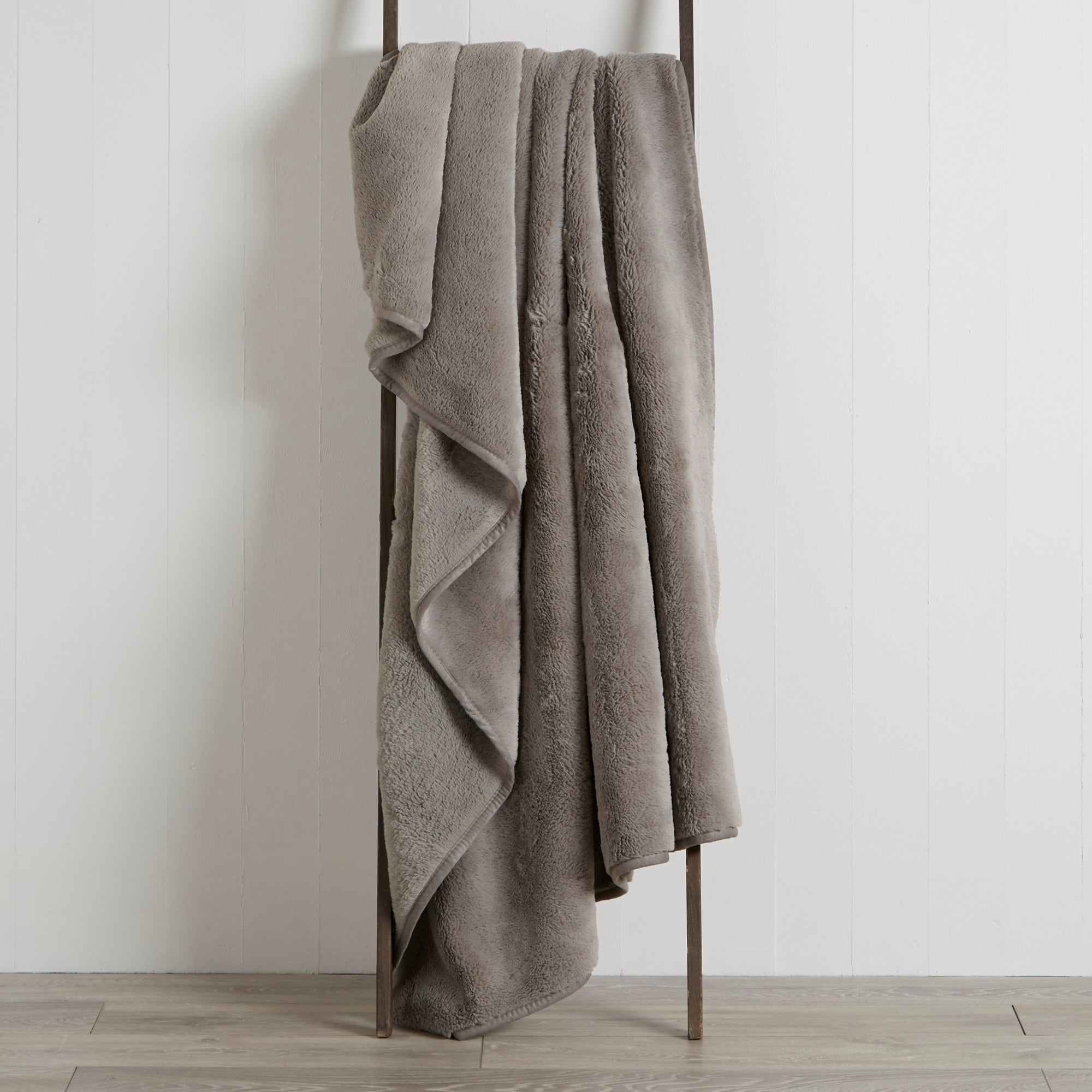 Image of Aspen Plush Throw Charcoal