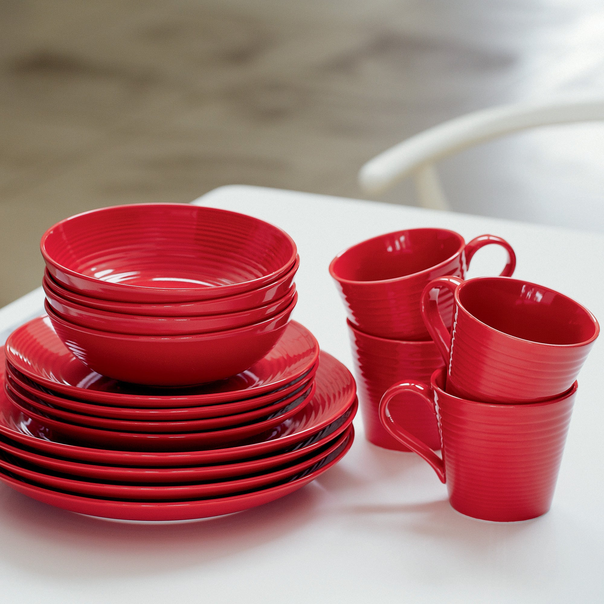 Image of Gordon Ramsay Red Maze 16 Piece Dinner Set Red