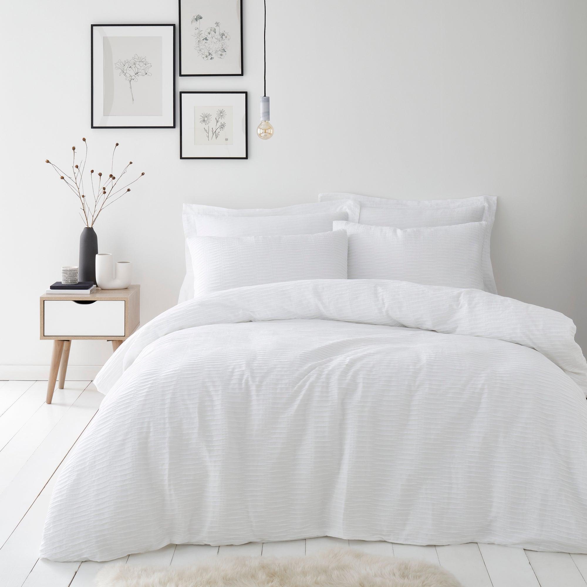 Image of Alissa White Duvet Cover and Pillowcase Set White