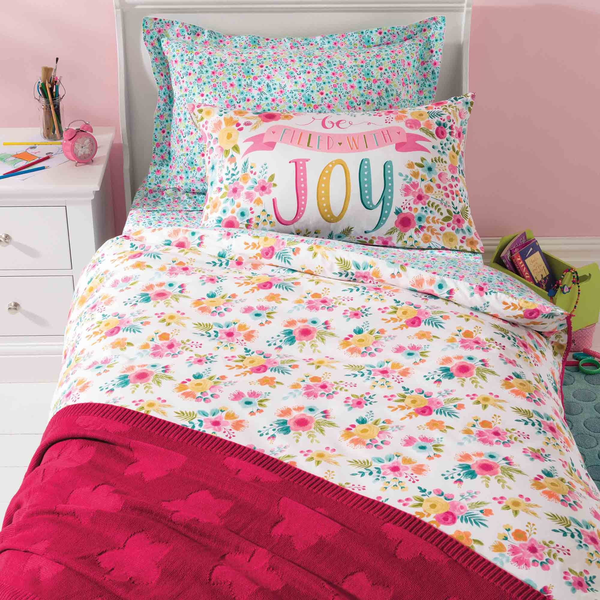 Photo of Friends and flowers duvet cover and pillowcase set pink / blue / yellow