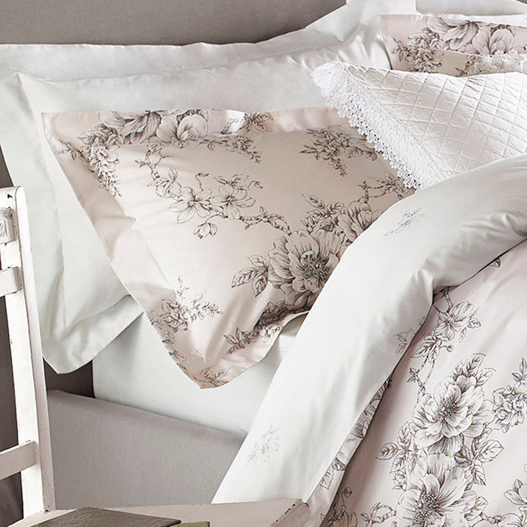 Image of Holly Willoughby Jenna Pink Pillowcase Pair Pink