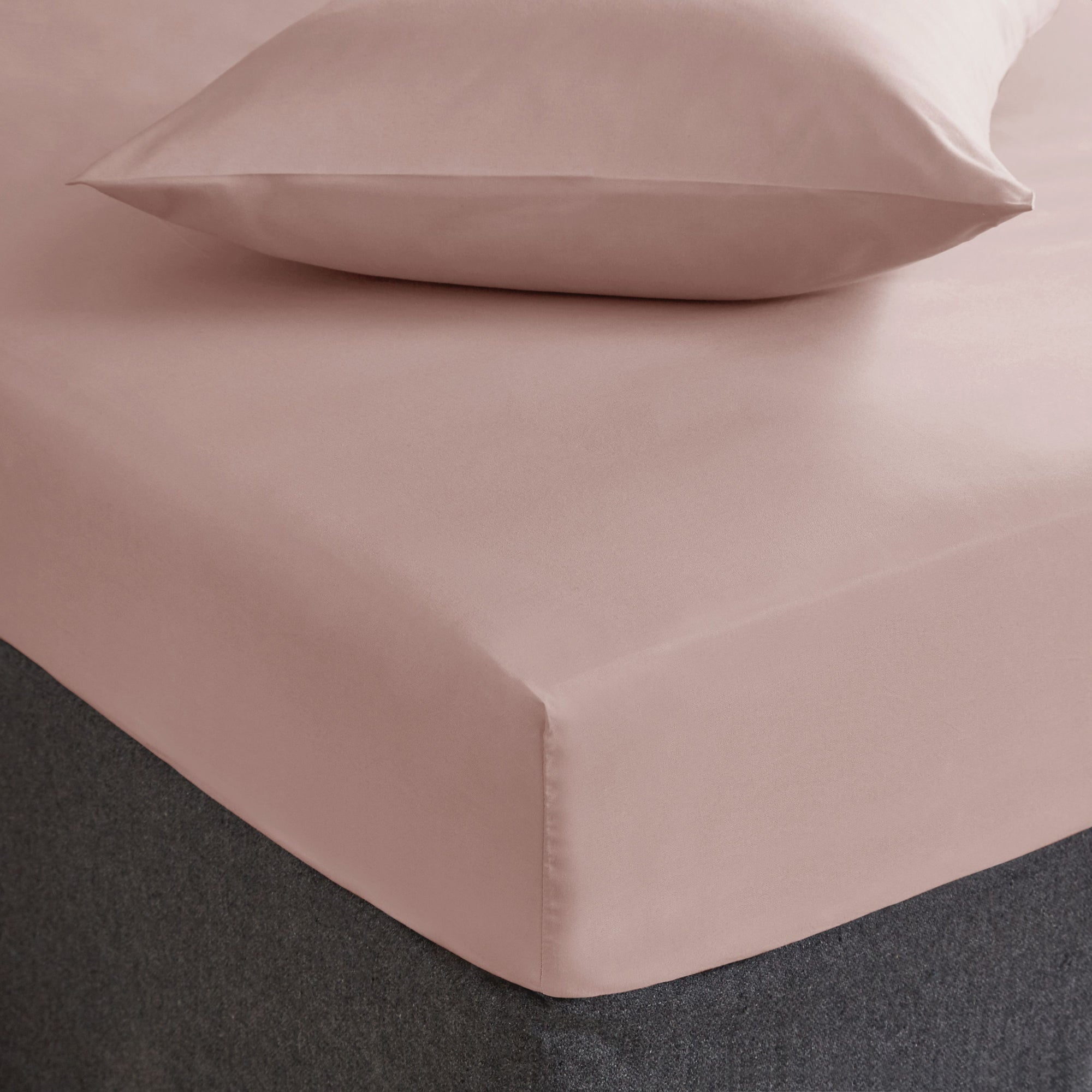Fogarty Soft Touch Dusky Pink Fitted Sheet Dusky Pink