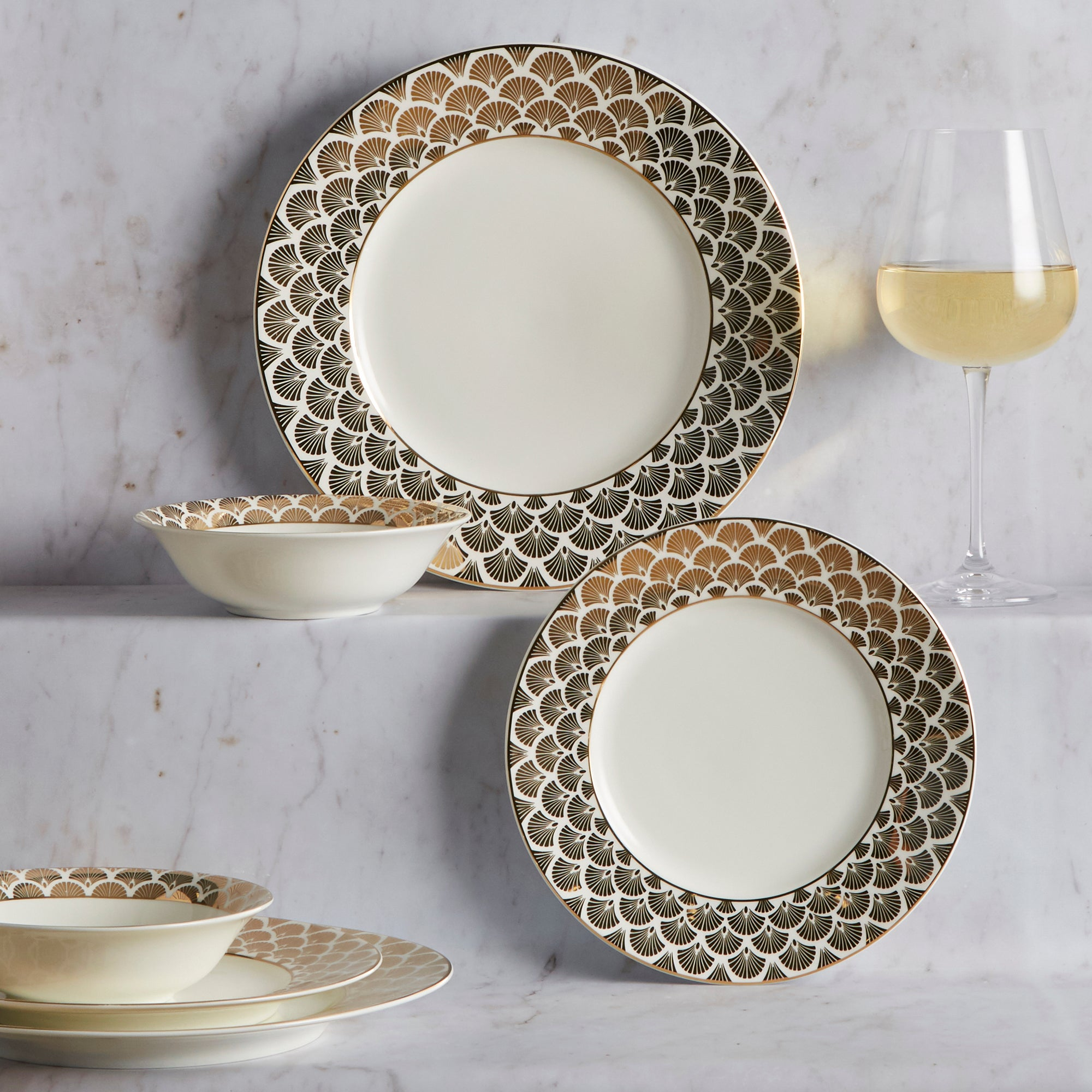 Image of 5A Fifth Avenue Bergen Gold 12 Piece Dinner Set Plum