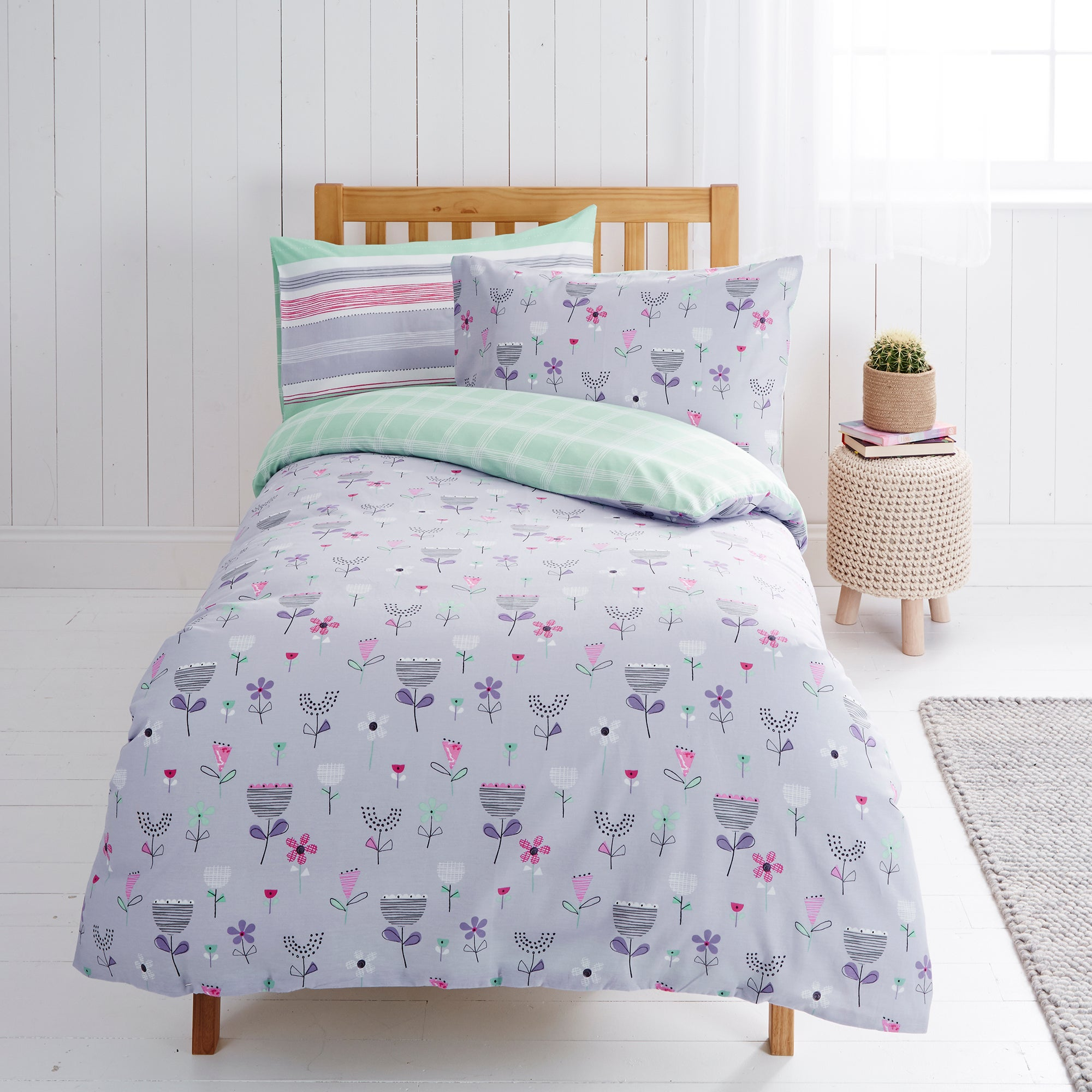 Image of Flowers Twin Pack Reversible Duvet Cover and Pillowcase Set Lilac
