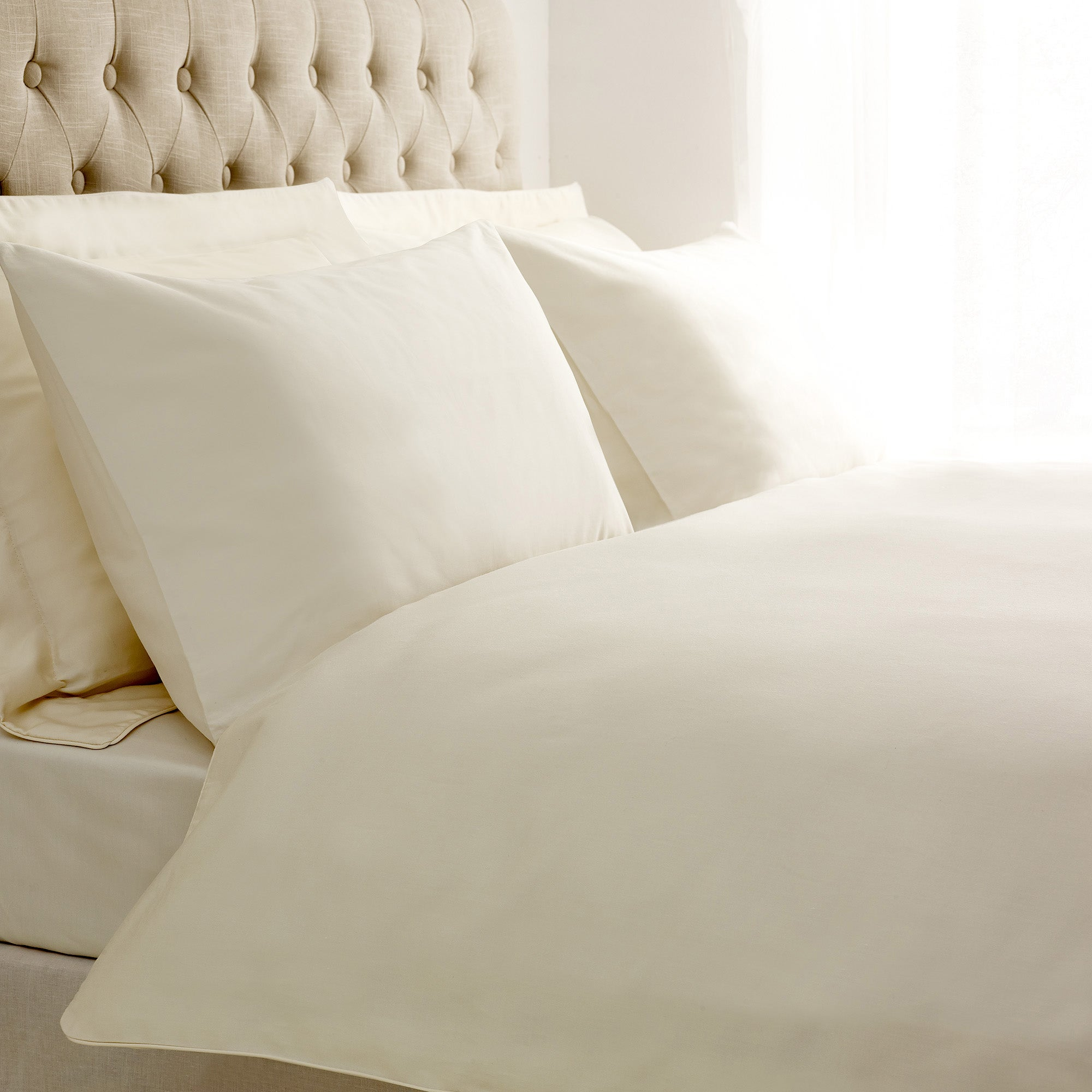 Image of 5A Fifth Avenue 400 Thread Count 100% Cotton Plain Cream Piped Duvet Cover Cream
