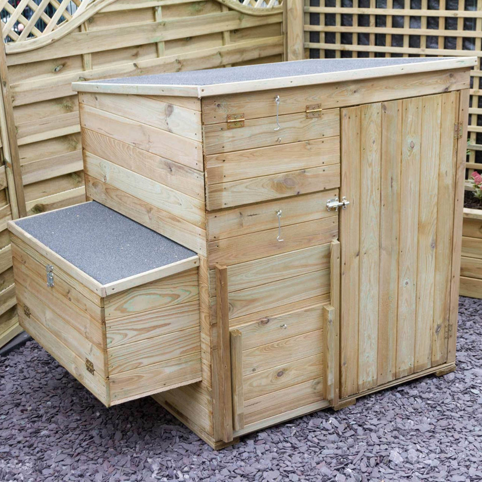 Large Chicken Coop Pine (Brown)