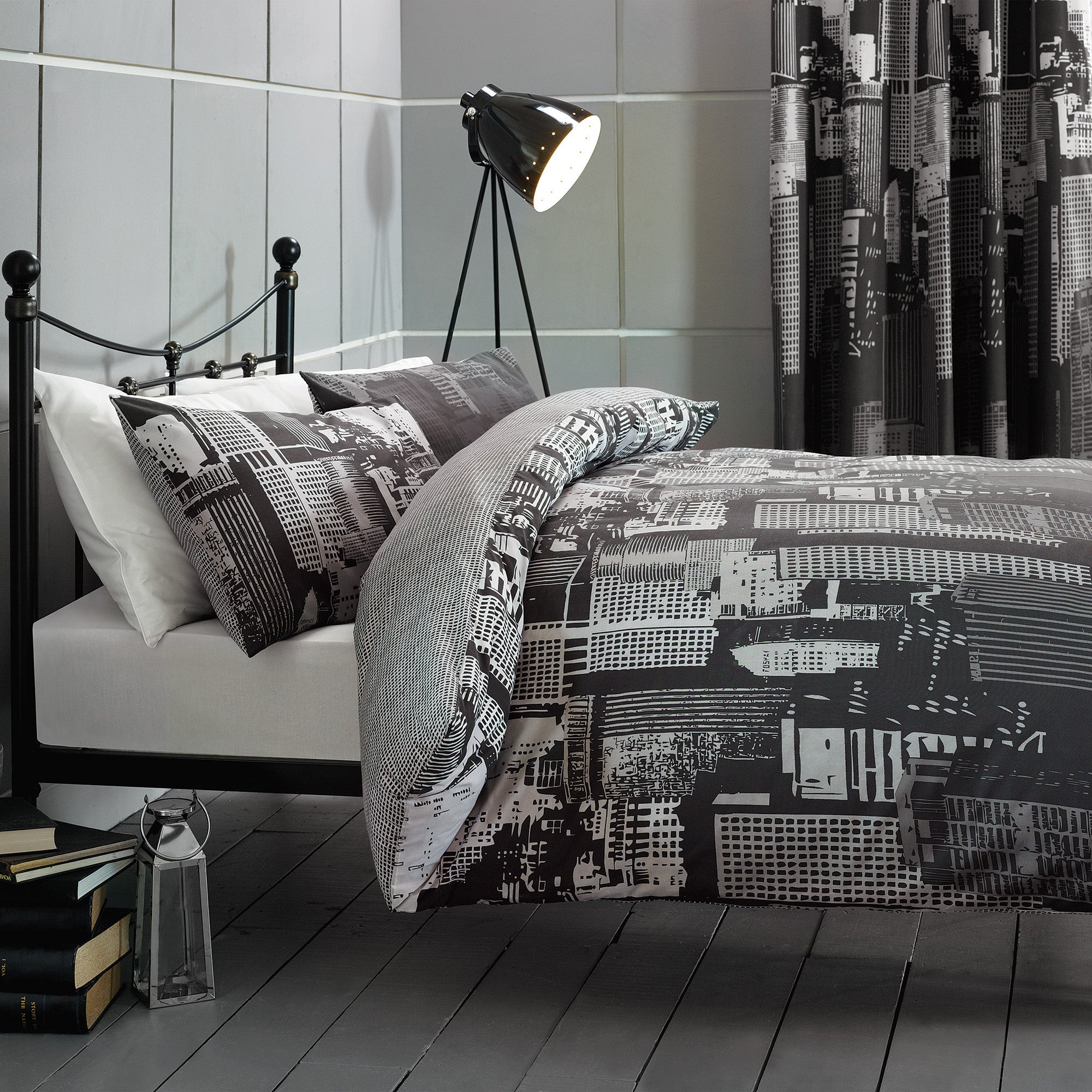 City Scene Black Bed Linen Collection