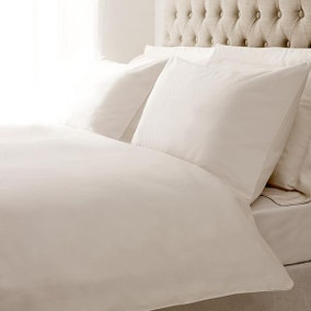 Hotel Plain White 400 Thread Count Piped Bed Linen Collection