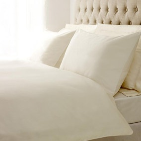 Hotel Plain Cream 400 Thread Count Piped Bed Linen Collection